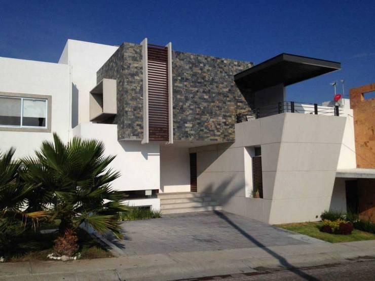 13 fachadas de casas modernas con revestimiento de piedra - Piedra para exteriores casas ...