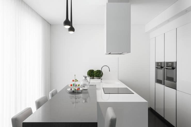 Una casa con degli interni da sogno for Interni minimalisti
