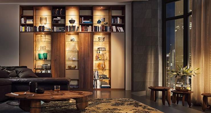 bar wohnzimmer wien:Bibliothek nach Maß: moderne Wohnzimmer von Design Lounge Hinke Wien
