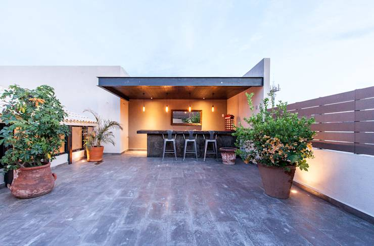 translation missing: za.style.terrace.modern Terrace by Loyola Arquitectos