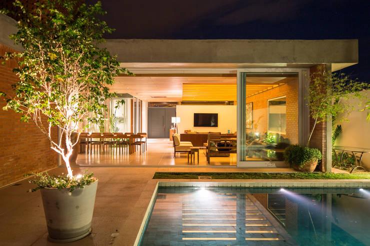 Si sue as con tener una alberca en tu patio tienes que ver esto - Ideas para casas modernas ...