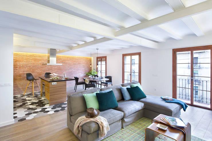 Cambio Sena por Mediterráneo: Salones de estilo moderno de Egue y Seta