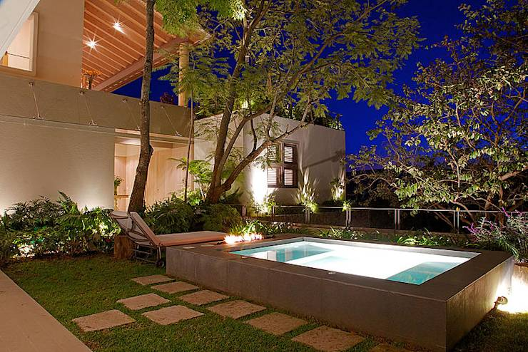 15 piscinas ideales para patios peque os for Piscinas desmontables para patios pequenos