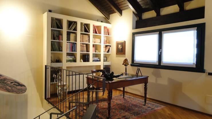 Zo cre er je je eigen thuisbibliotheek - Woonkamer design bibliotheek ...