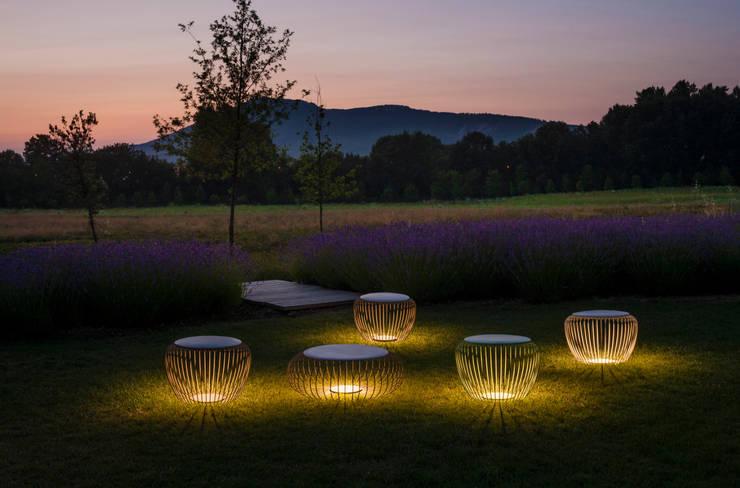 Interessante Gartenbeleuchtung Blumentöpfe