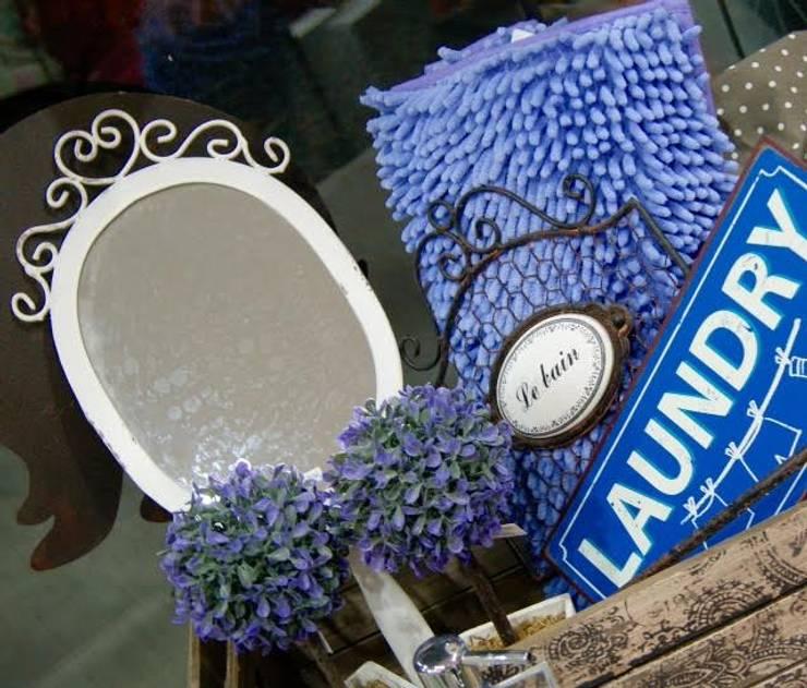 Baños Estilo Country: Objetos de decoración: Baños de estilo moderno por El Solar de Maian