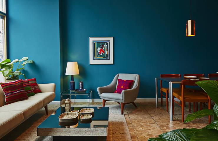 tropical Living room by Coroto - Deubel D'Aubeterre GbR