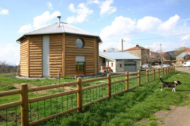 10 maisons pour tous types de famille for Maison yourte moderne