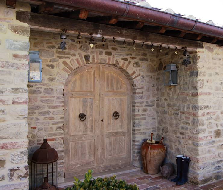 translation missing: id.style.windows-doors-.rustic Windows & doors  by Porte del Passato