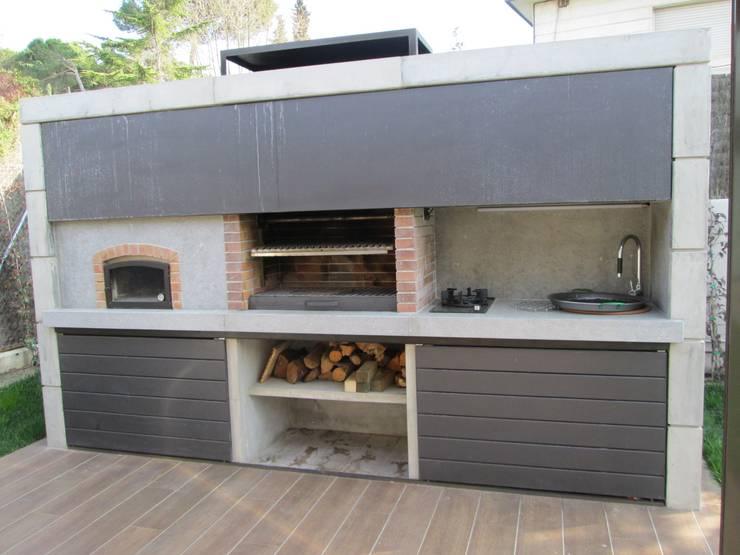 5 patios con alberca terraza y asador modernos y de for Estilos de asadores exteriores