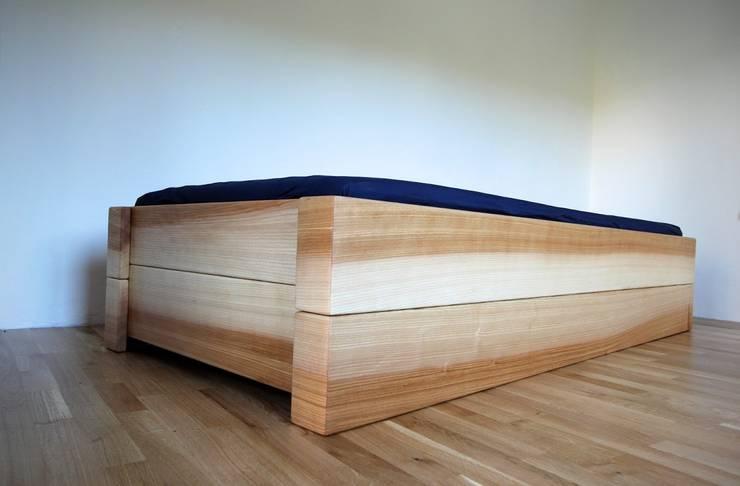 bett nachttisch und hochbett von atelier sinnesmagnet. Black Bedroom Furniture Sets. Home Design Ideas