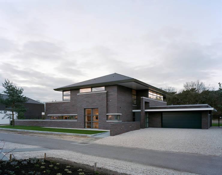 Zuivere stijl huiselijke sfeer een prachtige villa for Huizen moderne stijl
