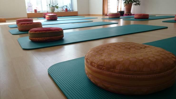 Come dare vita a uno spazio yoga in casa for Arredamento stanza yoga