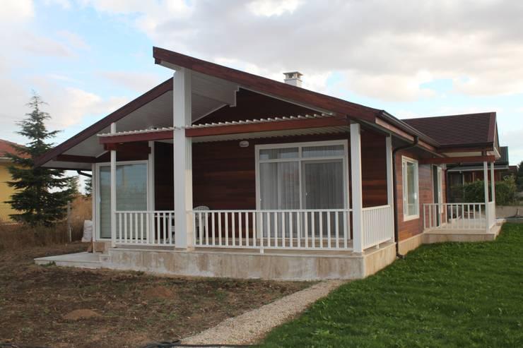 Casas de estilo rural por Kuloğlu Orman Ürünleri