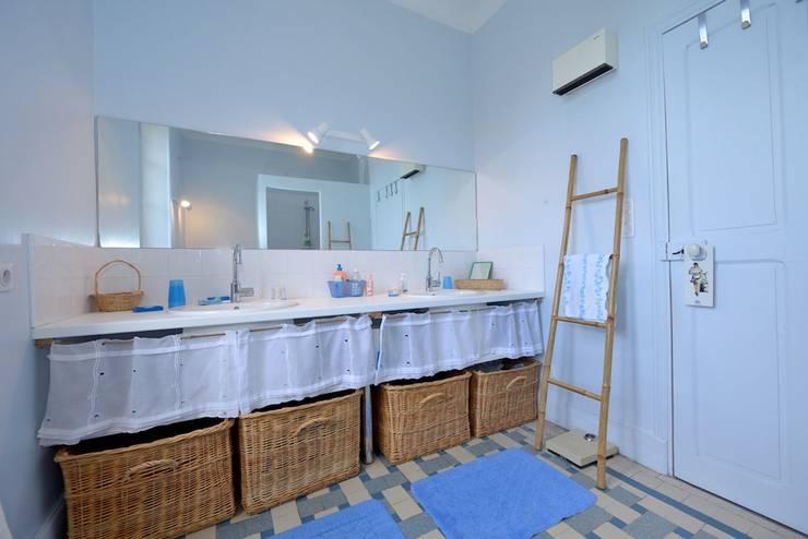 Baños de estilo translation missing: mx.style.baños.rural por JOSE MARCOS ARCHITECTEUR