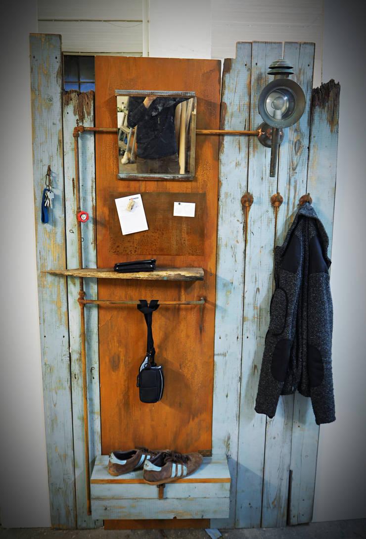 Garderobe aus altholz von kai hamburg homify for Garderobe altholz