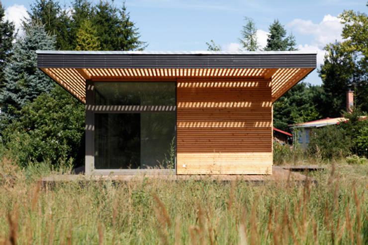 neues sommerhaus piu 65 mit noch mehr licht von sommerhaus piu homify. Black Bedroom Furniture Sets. Home Design Ideas