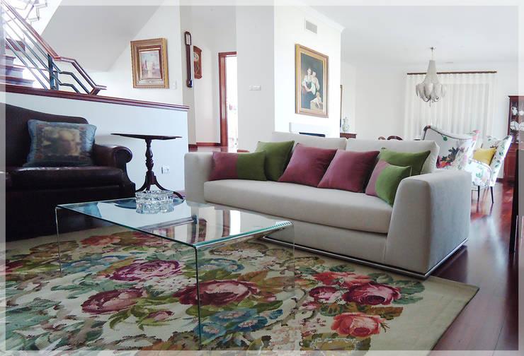 ideias de interiores decoracao de interiores lda:Moradia T3: Salas de estar clássicas por Fragmentos Mínimos, Lda.