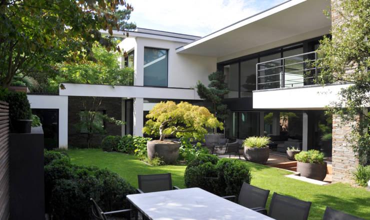 garten vorher nachher 2 beeindruckende verwandlungen. Black Bedroom Furniture Sets. Home Design Ideas