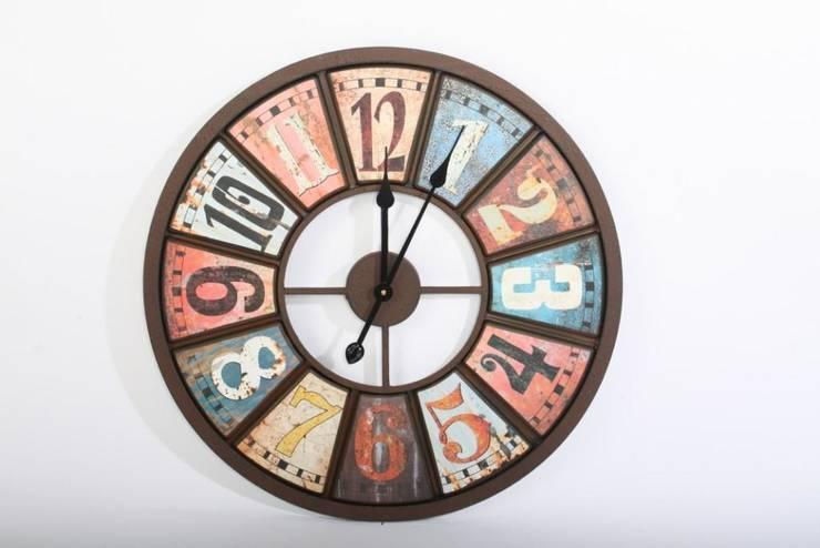 Decoraci n industrial de homify for Reloj pared estilo industrial