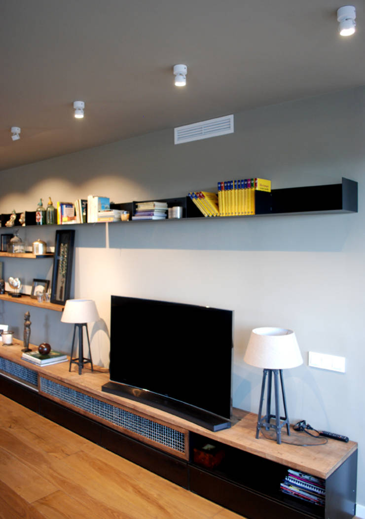 Proyecto iluminaci n interior un piso en barcelona de outside bcn led lighting homify - Iluminacion salon led ...