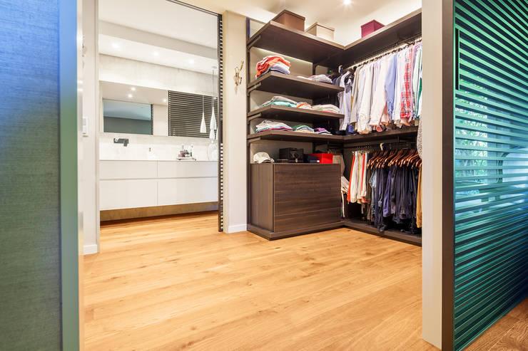 Closets modernos por Tarimas de Autor
