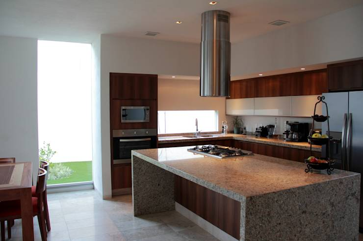 20 cocinas de madera con isla fabulosas for Cocinas integrales con isla al centro