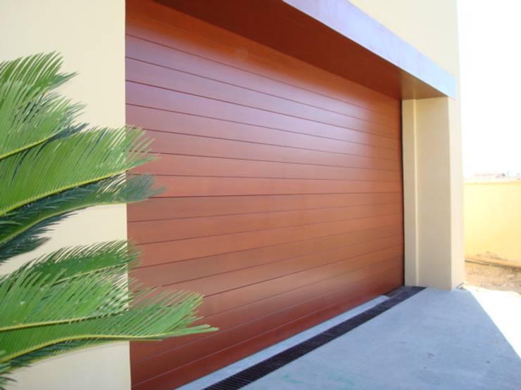 14 portones para una fachada espectacular - Tipo de madera para exterior ...
