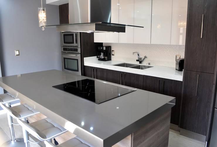 12 fotos de cocinas modernas para que planifiques la tuya - Revestimientos para cocinas modernas ...
