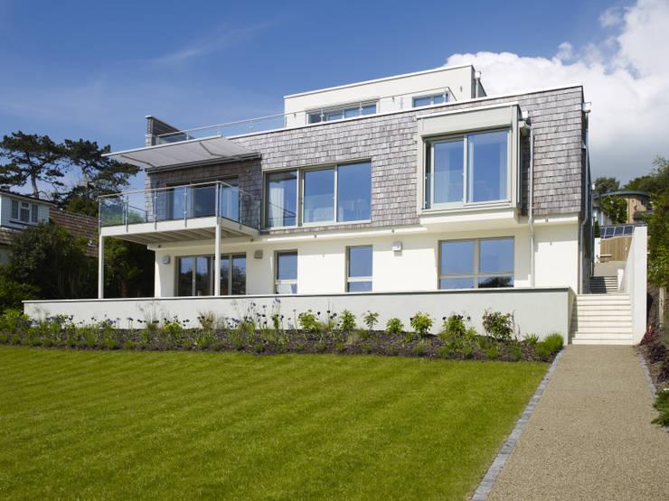Modern und zeitlos flachdach villa mit meerblick for Villa flachdach