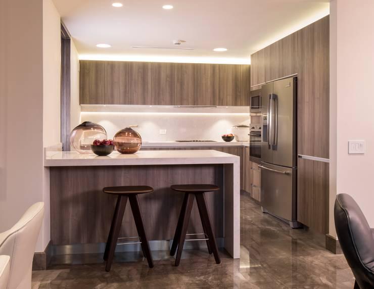 20 cocinas modernas sencillas y fabulosas - Alicatar cocina detras muebles ...