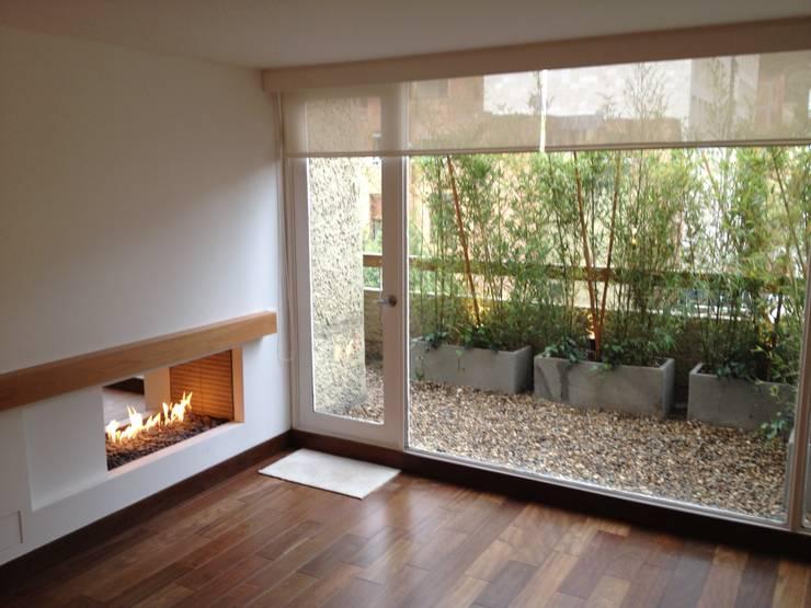 13 ideas de jardineras de concreto perfectas para patios for Terrazas modernas en cemento