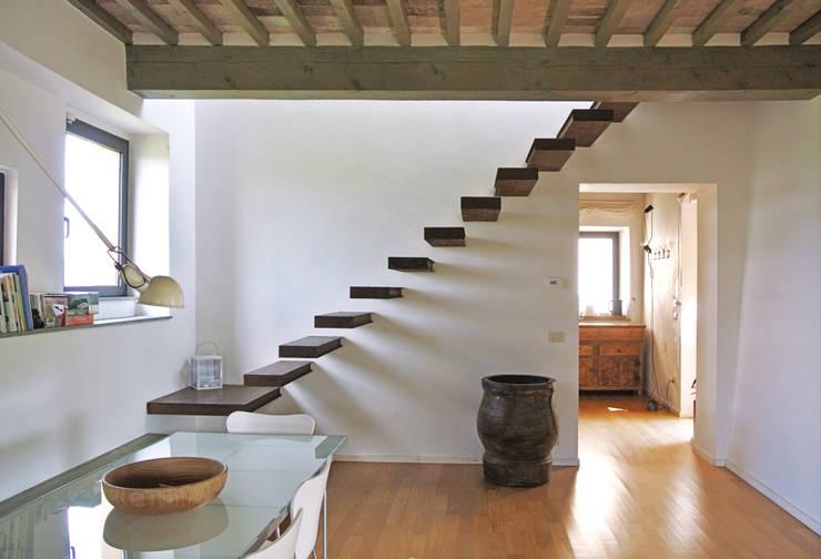 36 fotos de escaleras modernas impresionantes for Diseno escaleras para segundo piso