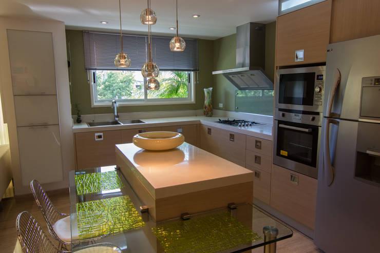 5 cocinas peque as perfectas para tu apartamento for Cocinas modernas para departamentos