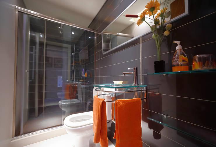 Baño O Ducha Que Es Mejor:Baño: Baños de estilo moderno por crearinteriores