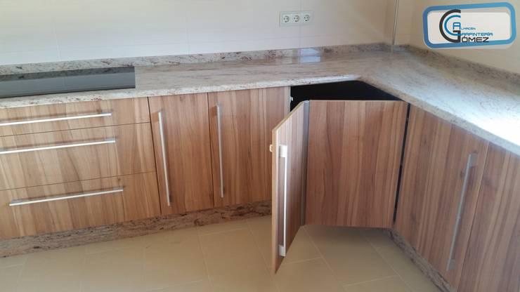 Кухня в translation missing: ru.style.Кухня.modern. Автор - Almacén de Carpintería Gómez