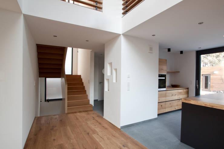 Wenn stil und komfort hand in hand gehen - Treppenhaus einfamilienhaus ...