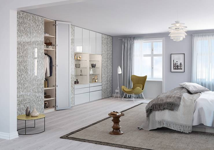 picking the right closet for your bedroom. Black Bedroom Furniture Sets. Home Design Ideas