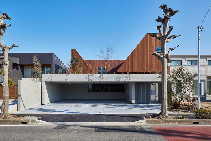 Modern Houses By KEITARO MUTO ARCHITECTS