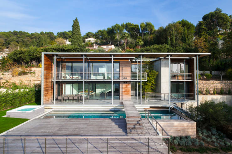 Une incroyable maison avec piscine for Architecte toulouse maison contemporaine