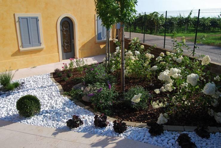 Come costruire un patio in giardino in un giorno for Idee giardino con ghiaia