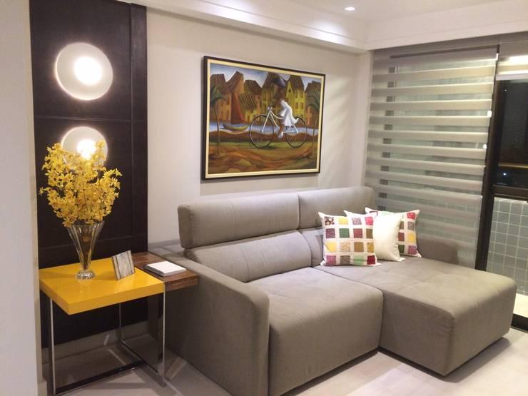 21 salas com sof s de canto para te inspirar a decorar a sua for Sofas modernos para salas pequenas
