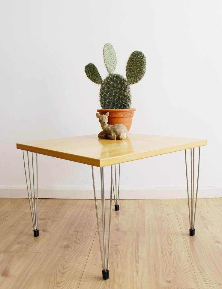 Toffe vintage meubels en retro design door flat sheep homify - Tafel woonkamer van de wereld ...