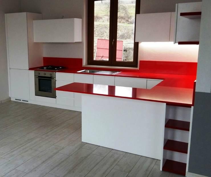 29 foto di straordinarie cucine piccole con penisola for Cocina 3x3 metros