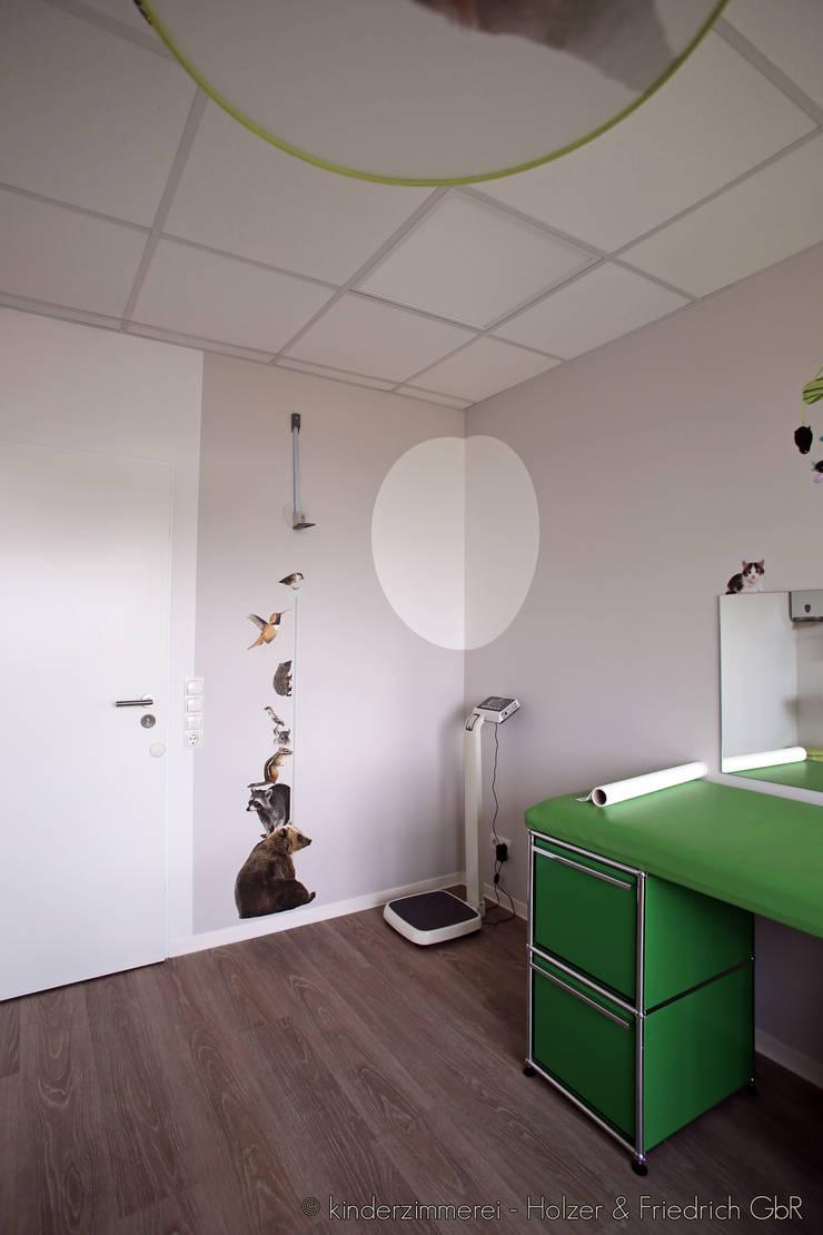 wohnzimmer deko schwarz weiss silber rot. Black Bedroom Furniture Sets. Home Design Ideas