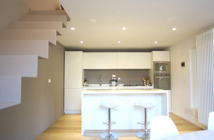 Cocinas de estilo minimalista por Filippo Rak Architetto