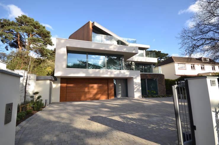 Modernes Haus mit Glas Gestaltet Fassade modern Flachdach