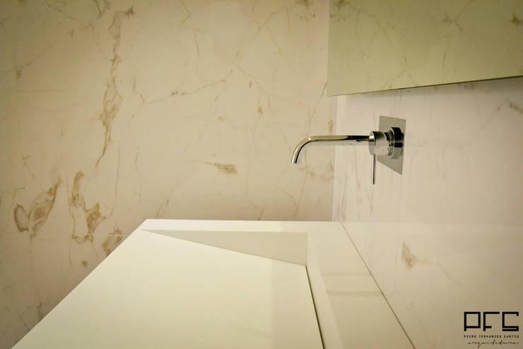 Ванные комнаты в translation missing: ru.style.Ванные-комнаты.minimalizm. Автор - PFS-arquitectura