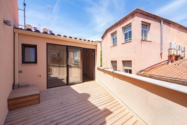 translation missing: us.style.terrace.mediterranean Terrace by Lara Pujol  |  Interiorismo & Proyectos de diseño