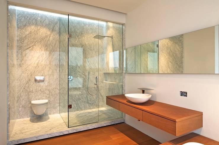 ванная комната частный дом дизайн фото #10